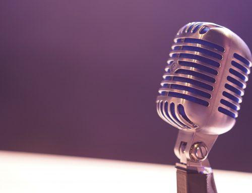 Lig je lekker lui podcasts te luisteren, ben je ineens aan het bloggen